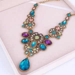 Jewelry - Gorgeous Statement Multi Gem Necklace